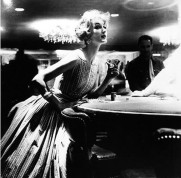amazing-black-and-white-fashion-photography-by-lillian-bassman-in-the-1950s-6