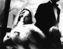 lillian-bassman-golden-fox-blue-fox-marilyn-ambrose-boa-by-frederica-new-york-harpers-bazaar